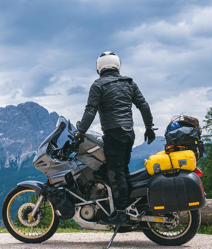 Pruebe a hacer turismo en moto